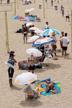 Beachgoers. Manhattan Beach, Los Angeles, California, USA. - Photo #7330