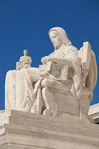 The contemplation of justice, US Supreme Court building. Washington, D.C. - Photo #29154