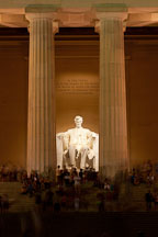Entrance to the Lincoln Memorial at night. Washington, D.C. - Photo #29385