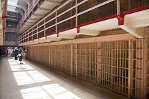Cell block in Alcatraz prison. - Photo #22131