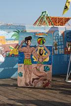 Children posing for photos. Santa Monica Pier. Santa Monica, California, USA. - Photo #7031