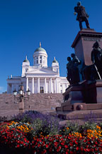 Flowers, statue of Tsar Alexander, and the Cathedral. Helsinki, Finland. - Photo #431