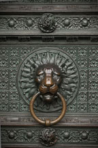 Bronze lion knocker on the Cologne Cathedral. Cologne, Germany. - Photo #30715