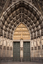 Statues surrounding the west entrance of the Cologne Cathedral. Cologne, Germany. - Photo #30719