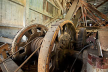 Wheel and cables in the Sumpter Dredge. - Photo #27734