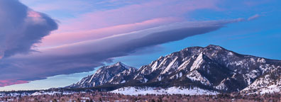 Pink skies at dawn and the Boulder Flatirons. - Photo #33136