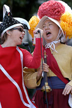 Singers at carnaval's grand parade. San Francisco, California, USA. - Photo #6237