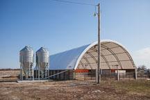 Hoop barn for finisher pigs. ISU Swine Farm. Ames, Iowa. - Photo #32238