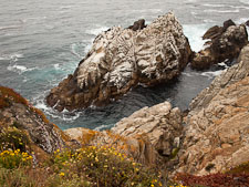 Small rocky island at the north shore of  Point Lobos. California. - Photo #26938