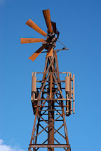 Damaged windmill. Goldfield, Phoenix, Arizona, USA. - Photo #5539