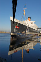 Queen Mary and Russian submarine B-427 Scorpian. Long Beach, California, USA. - Photo #8539