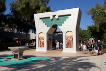 Cesar Chavez Memorial Arch. San Jose State University, California. - Photo #24404
