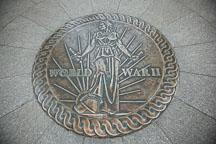 Victory medal at the World War II Memorial. Washington, D.C. - Photo #29004