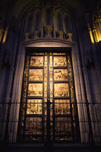 Grace cathedral door. San Francisco, California, USA - Photo #940