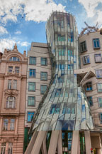 Dancing house. Prague, Czech Republic. - Photo #30045
