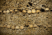 Bone pile in the catacombs. Paris, France. - Photo #31546
