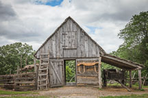 Small pioneer barn. - Photo #32948