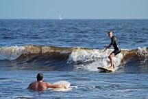 Surfer riding a wave. Venice, California, USA. - Photo #7448