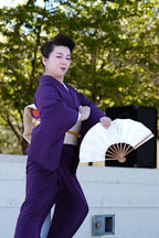 Japanese classical dance: Nihon Buyo Kiyonomoto Ryu. Cherry blossom festival, Japantown, San Francisco, California, USA. - Photo #3642