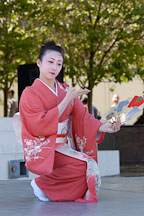 Japanese classical dance: Nihon Buyo Kiyonomoto Ryu. Cherry blossom festival, Japantown, San Francisco, California, USA. - Photo #3637
