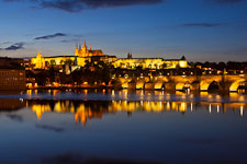 Prague castle and Vltava rivier at twilight. Prague, Czech Republic. - Photo #30105