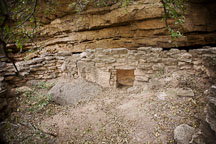 Remains of cliff dwelling. Montezuma Well, Arizona. - Photo #17750