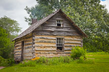 Old pioneer farm house. - Photo #32952