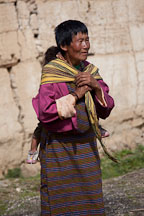 Woman with baby at Gangte Goemba. - Photo #23752