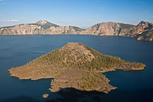 Wizard island. Crater Lake, Oregon. - Photo #27354
