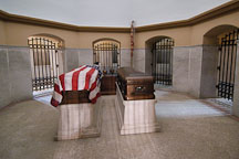The crypt of President and Mrs. James A. Garfield. Garfield monument, Lake View Cemetery, Cleveland, Ohio, USA - Photo #4205