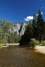 Merced river in Yosemite valley. Yosemite National Park, California, USA. - Photo #4610