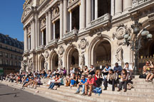 Office workers enjoying a break on the steps of the Paris Opera house. Paris, France. - Photo #31906