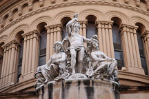 Statues on the Queen Victoria Building. Sydney, Australia - Photo #1406