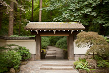 Antique gate. Portland japanese Garden, Oregon. - Photo #28160
