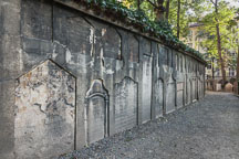Wall at the Jewish Cemetery. Prague, Czech Republic - Photo #29560