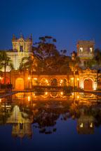 Casa de Balboa and lily pond at night. Balboa Park, San Diego - Photo #26661