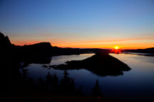 Crater Lake sunrise. Oregon. - Photo #27562