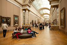 Visitors to the Louvre. Paris, France. - Photo #31062