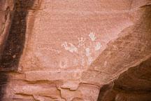 Hand print pictographs. Canyon de Chelly NM, Arizona. - Photo #18063