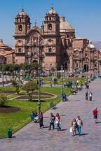 Plaza de Armas and Iglesia de la Compania de Jesus. Cusco, Peru. - Photo #9463
