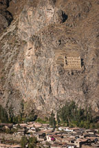 Pinkuylluna ruins above Town of Ollanta. Sacred Valley, Peru. - Photo #9166