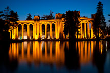 Colonnades at night. Palace of Fine Arts, San Francisco, California. - Photo #28967