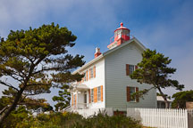 Yaquina Bay lighthouse. Newport, Oregon. - Photo #28667