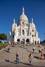 Visitors on the steps of Sacre Coeur. Paris, France. - Photo #31869
