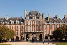 Place des Vosges. Paris, France. - Photo #31207