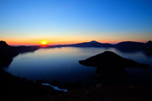 Crater lake sunrise. - Photo #27407