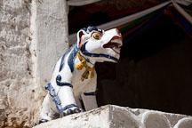 Snow lion figure at the Cheri monastery. - Photo #23070
