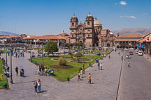 Plaza de Armas and Iglesia de la Compania de Jesus. Cusco, Peru. - Photo #9471