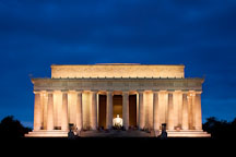 Lincoln memorial at night. Washington, D.C. - Photo #29372