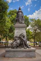 Statue of Queen Victoria. Gore Park, Hamilton. - Photo #33077